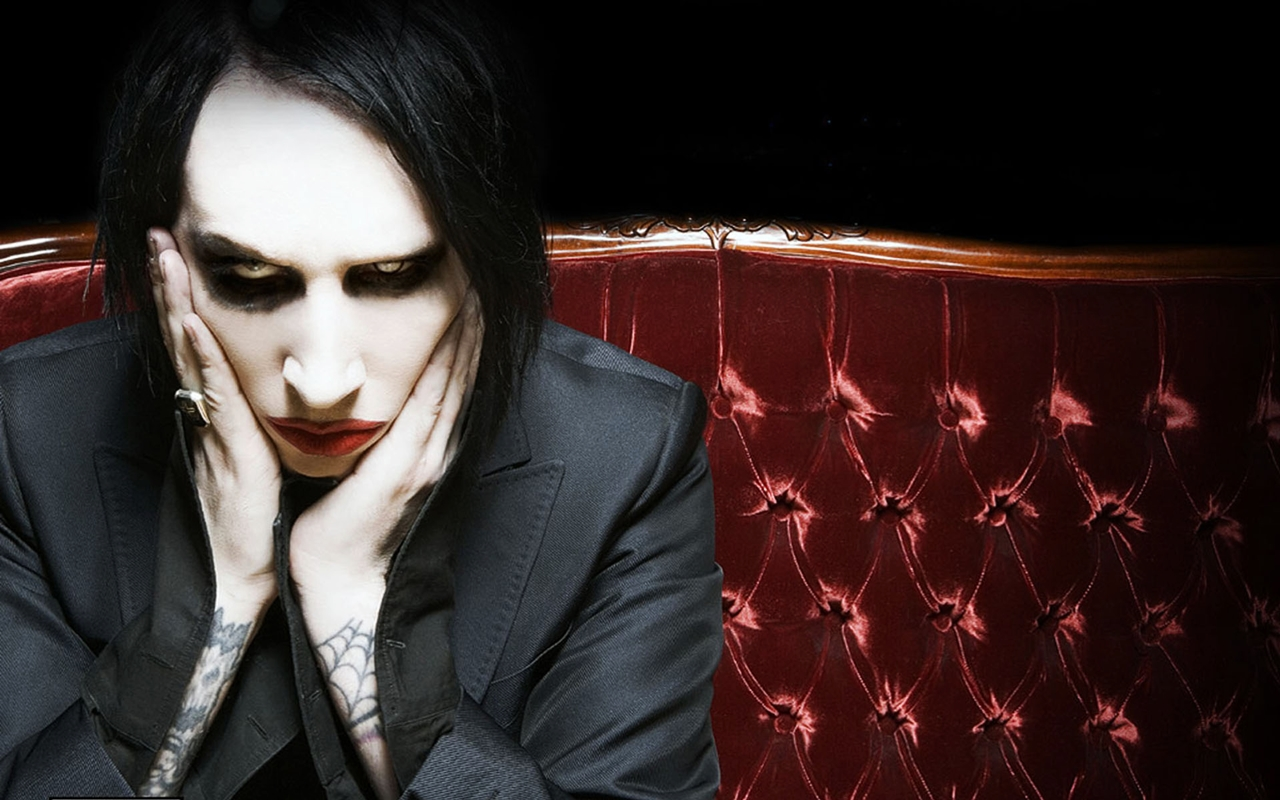 black singles in manson Marilyn manson discography american rock band marilyn manson has released ten studio albums, one live album, one compilation album, two extended plays, twenty-eight singles, eight promo singles, six dvds, and forty-one music videos.