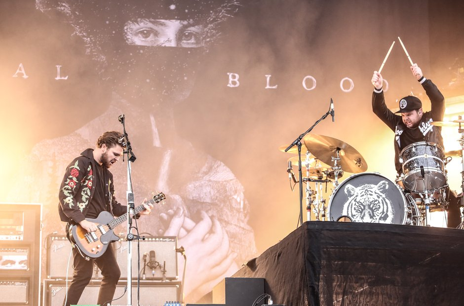 royal-blood-at-reading-festival-2015--1440959033-view-0