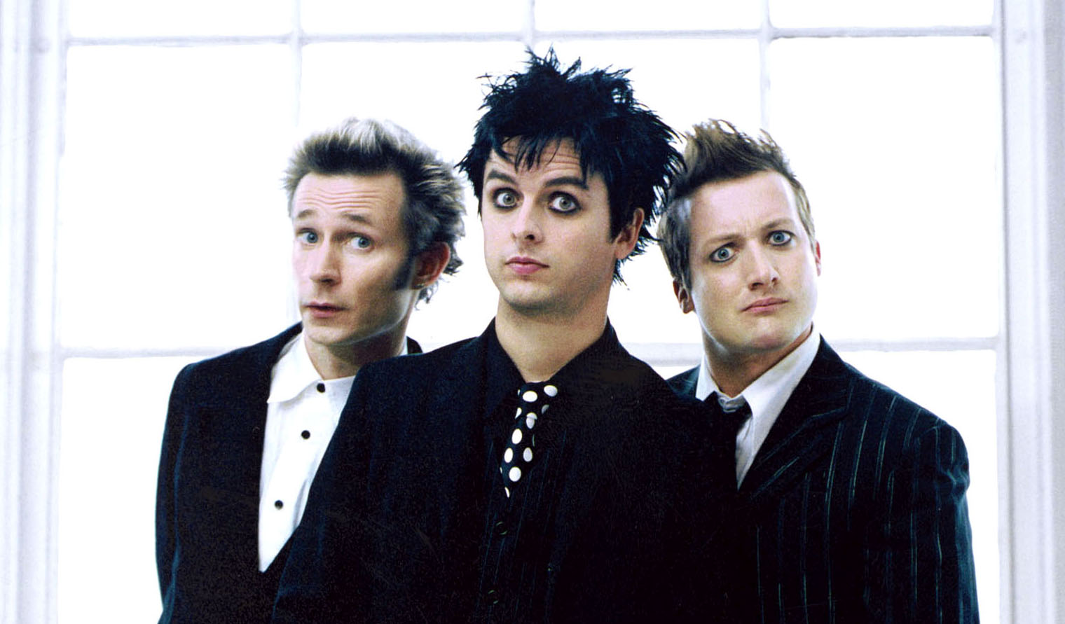 Green Day release the making of 'American Idiot' documentary: 'Heart Like A Hand Granade'
