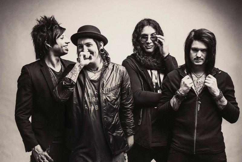 Escape The Fate announce New Years Day, Fearless Vampire Killers and Like A Storm as 2016 tour support!