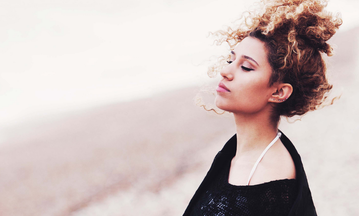 Raye premieres second track 'Ambition' from her new EP!