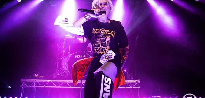Tonight Alive pull out all the stops from the Underworld