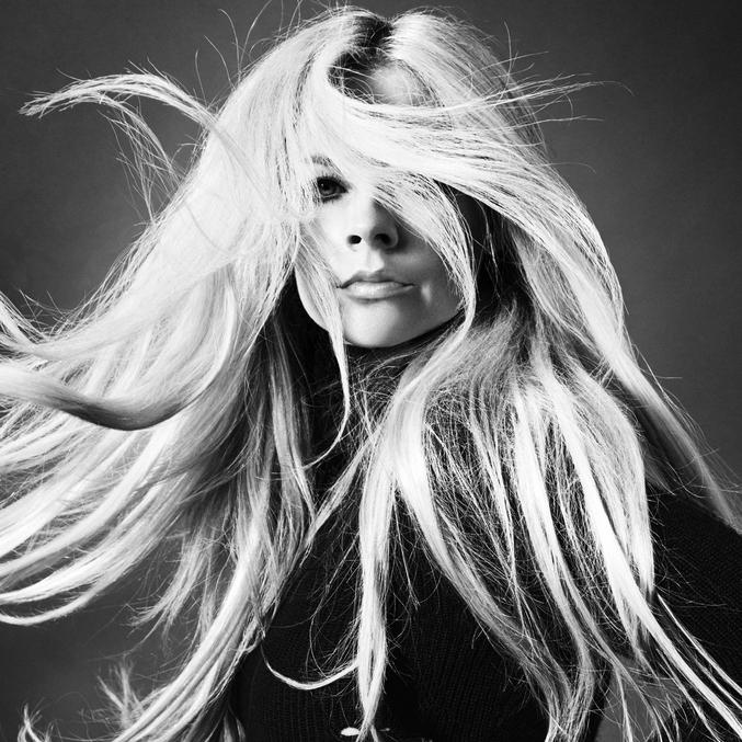 Avril Lavigne Releases New Single Featuring Nicki Minaj – 'Dumb Blonde'